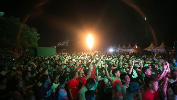 Night Glow Crowd
